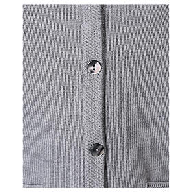 Chaleco gris perla monja con bolsillos cuello V 50% acrílico 50% lana merina In Primis s4