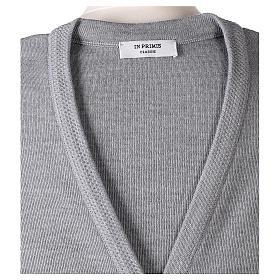 Gilet grigio perla suora con tasche collo a V 50% acrilico 50% lana merino In Primis s7
