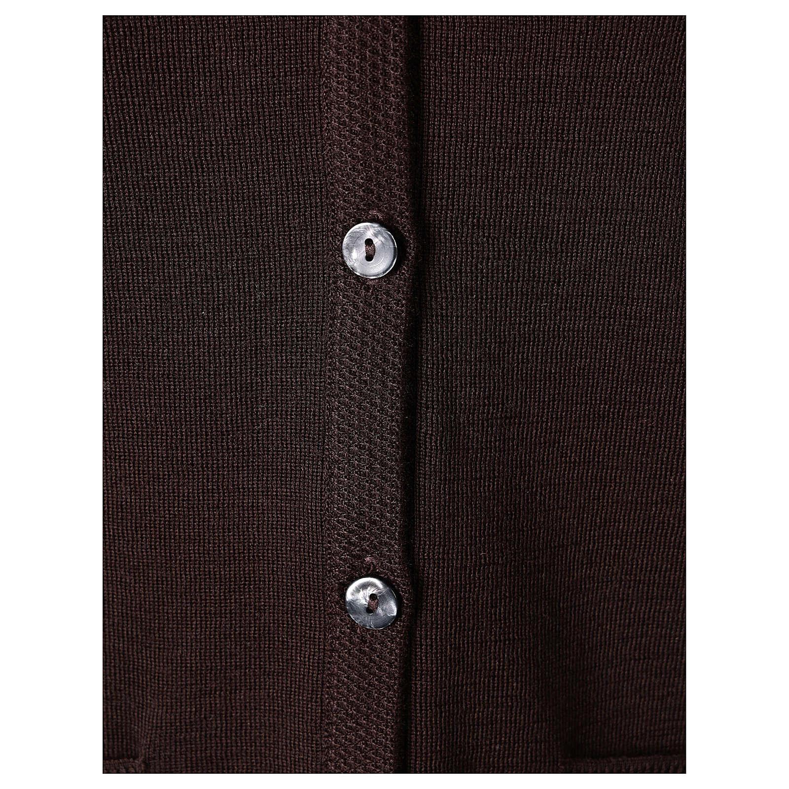 Gilet suora marrone con tasche collo a V 50% acrilico 50% lana merino In Primis 4