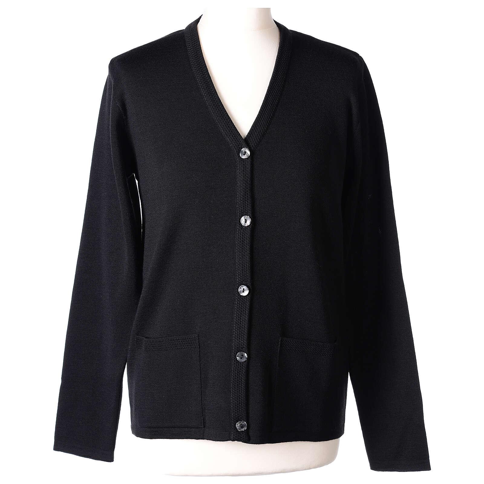 Rebeca monja negra cuello V bolsillos punto unido 50% acrílico 50% lana merina In Primis 4