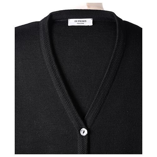 Rebeca monja negra cuello V bolsillos punto unido 50% acrílico 50% lana merina In Primis 7