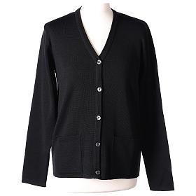 Cardigan suora nero collo V tasche maglia unita 50% acrilico 50% lana merino In Primis s1
