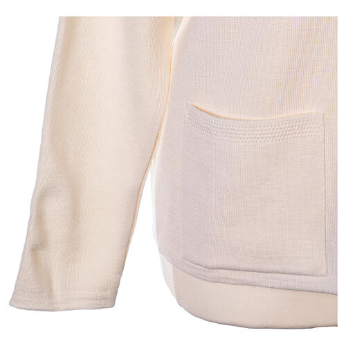 Rebeca monja blanco cuello V bolsillos punto unido 50% acrílico 50% lana merina In Primis 11