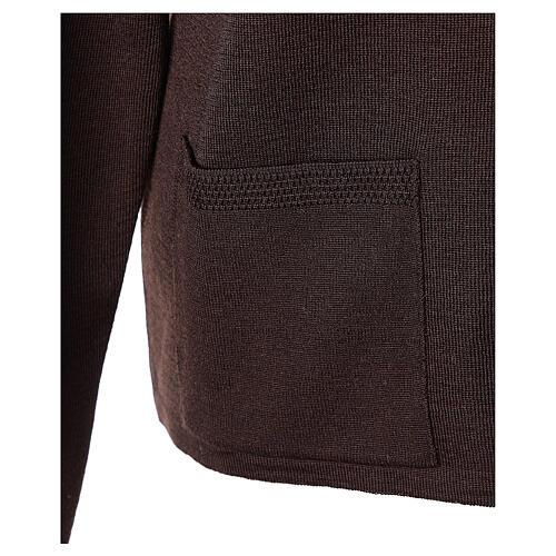 Rebeca monja marrón cuello V bolsillos punto unido 50% acrílico 50% lana merina In Primis 5