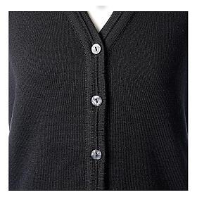 Gilet nero corto collo a V 50% acrilico 50% lana merino suora In Primis s2