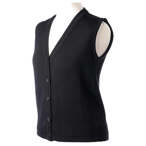 Gilet nero corto collo a V 50% acrilico 50% lana merino suora In Primis 3