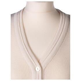 Chaleco blanco corto cuello V bolsillos punto unido 50% acrílico 50% lana merina monja In Primis s2
