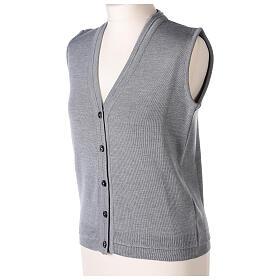 Chaleco monja gris perla corto cuello V bolsillos punto unido 50% acrílico 50% lana merina In Primis s4