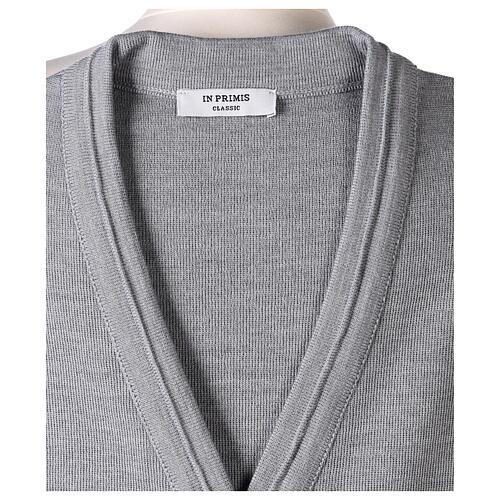 Chaleco monja gris perla corto cuello V bolsillos punto unido 50% acrílico 50% lana merina In Primis 6