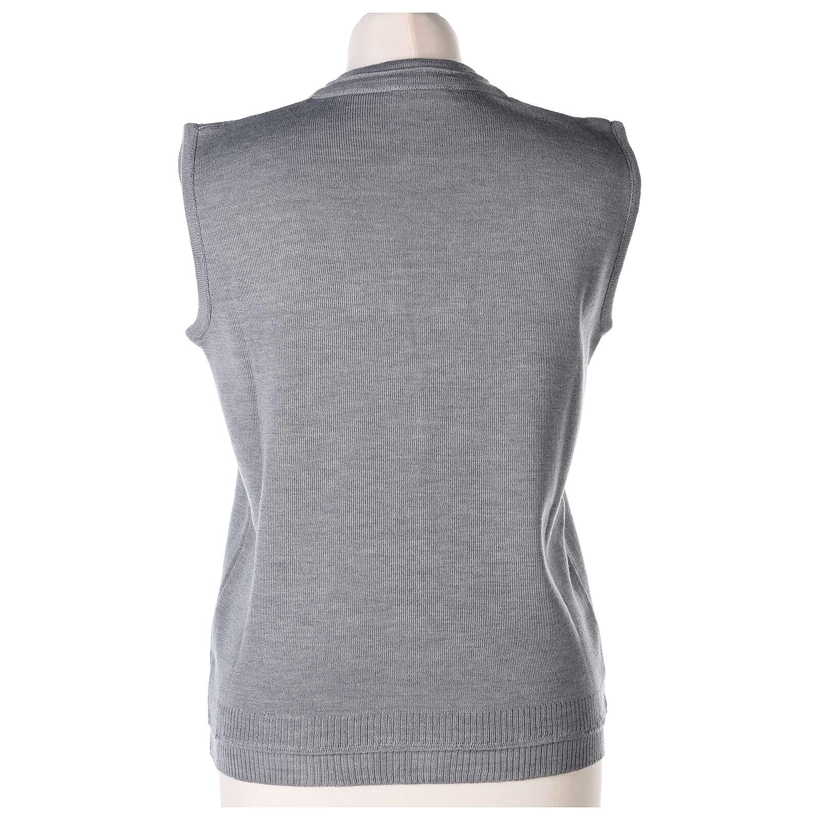 Gilet gris perle court col en V 50% acrylique 50% laine mérinos pour soeur In Primis 4