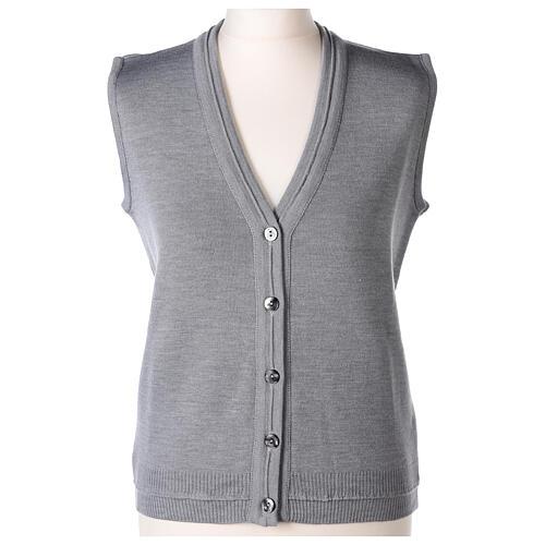 Gilet gris perle court col en V 50% acrylique 50% laine mérinos pour soeur In Primis 1