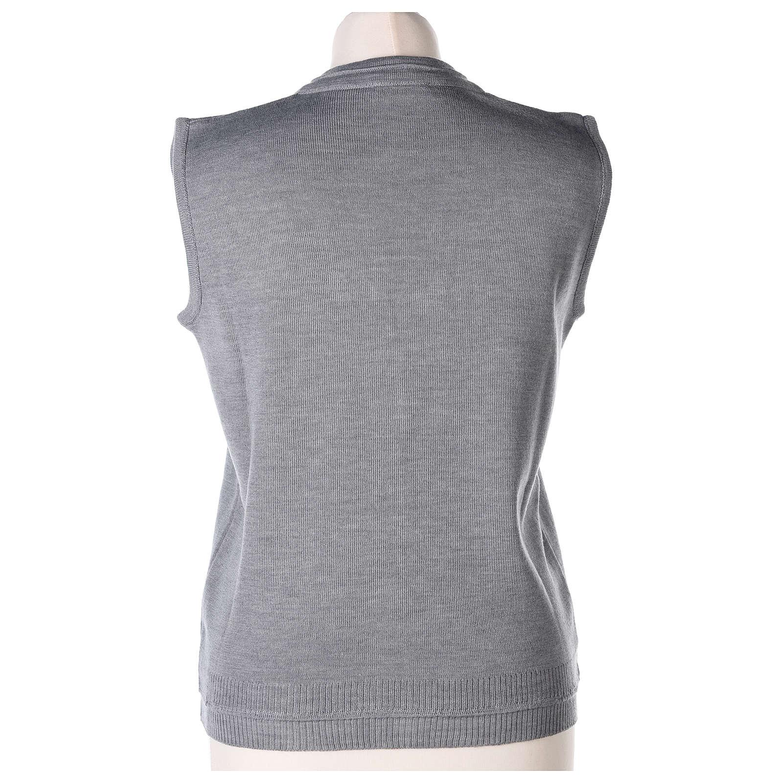 Gilet suora grigio perla corto collo a V 50% acrilico 50% lana merino In Primis 4