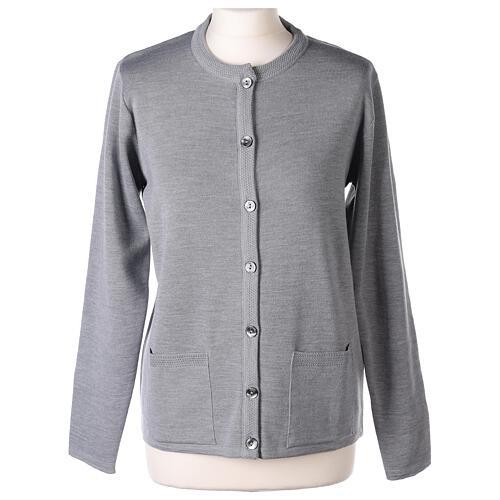 Cardigan soeur gris perle ras du cou poches jersey 50% acrylique 50% laine mérinos In Primis 1