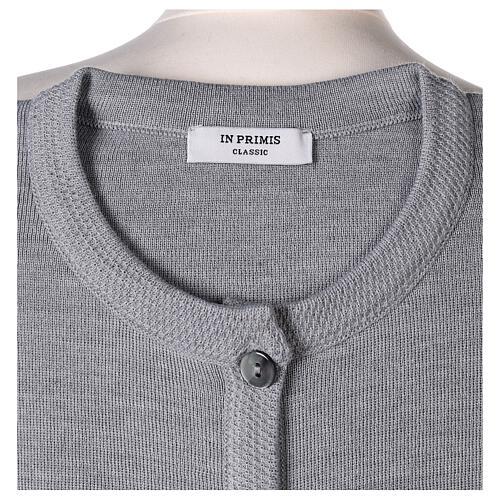 Cardigan soeur gris perle ras du cou poches jersey 50% acrylique 50% laine mérinos In Primis 7
