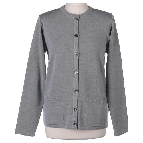 Cardigan soeur gris perle ras du cou poches jersey 50% acrylique 50% laine mérinos In Primis 9