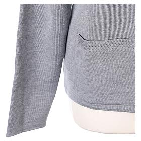 Kardigan siostra zakonna sweter perłowoszary kołnierzyk koreański kieszonki dzianina gładka 50% akryl 50% wełna merynos In Primis s5