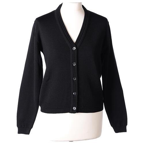 Cardigan court noir 50% laine mérinos 50% acrylique soeur In Primis 1