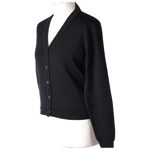 Cardigan court noir 50% laine mérinos 50% acrylique soeur In Primis 3