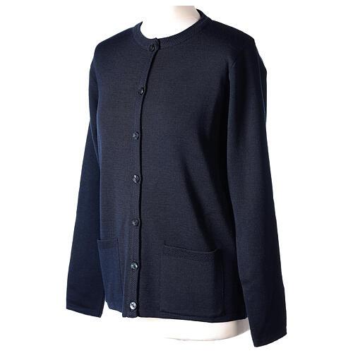 Cardigan bleu pour soeur col rond poches GRANDE TAILLE 50% acrylique 50% mérinos In Primis 3