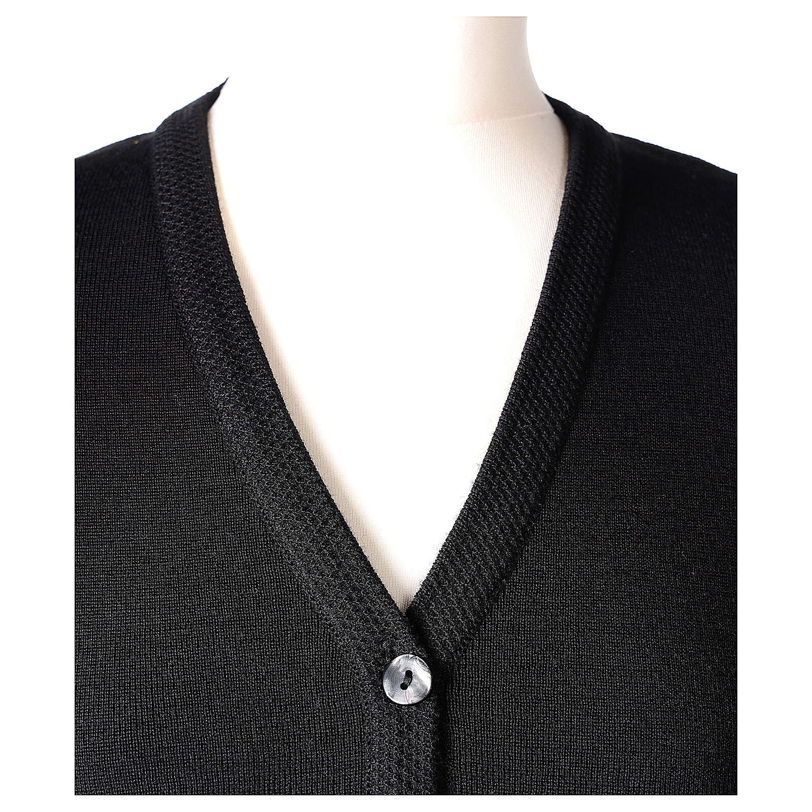 Nun black V-neck cardigan with pockets PLUS SIZES 50% merino wool 50% acrylic In Primis 4