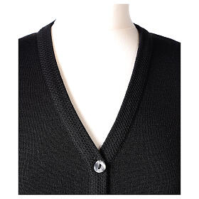 Nun black V-neck cardigan with pockets PLUS SIZES 50% merino wool 50% acrylic In Primis s2