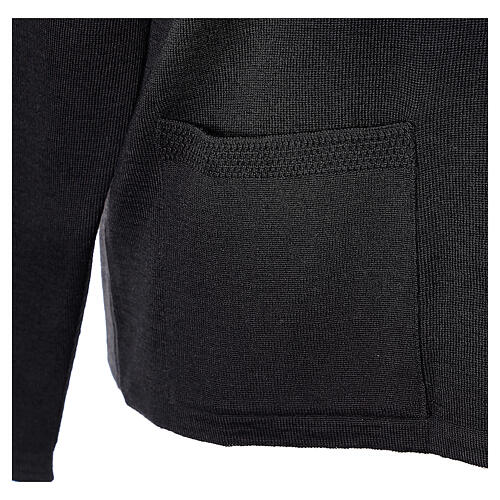 Nun black V-neck cardigan with pockets PLUS SIZES 50% merino wool 50% acrylic In Primis 5