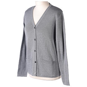 Cardigan suora grigio perla collo V tasche TAGLIE CONF. 50% acr. 50% merino In Primis s3