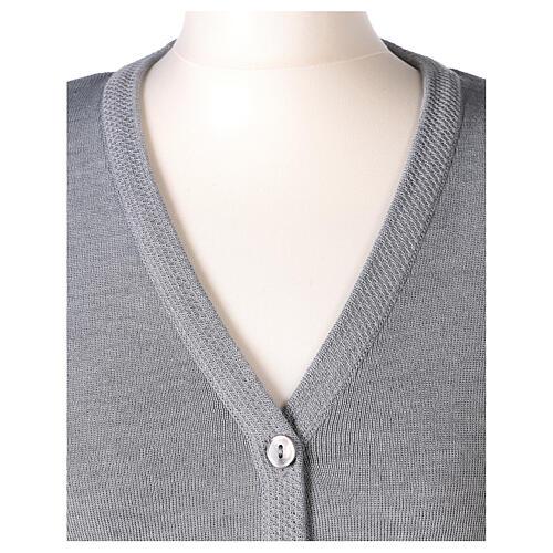 Cardigan suora grigio perla collo V tasche TAGLIE CONF. 50% acr. 50% merino In Primis 2