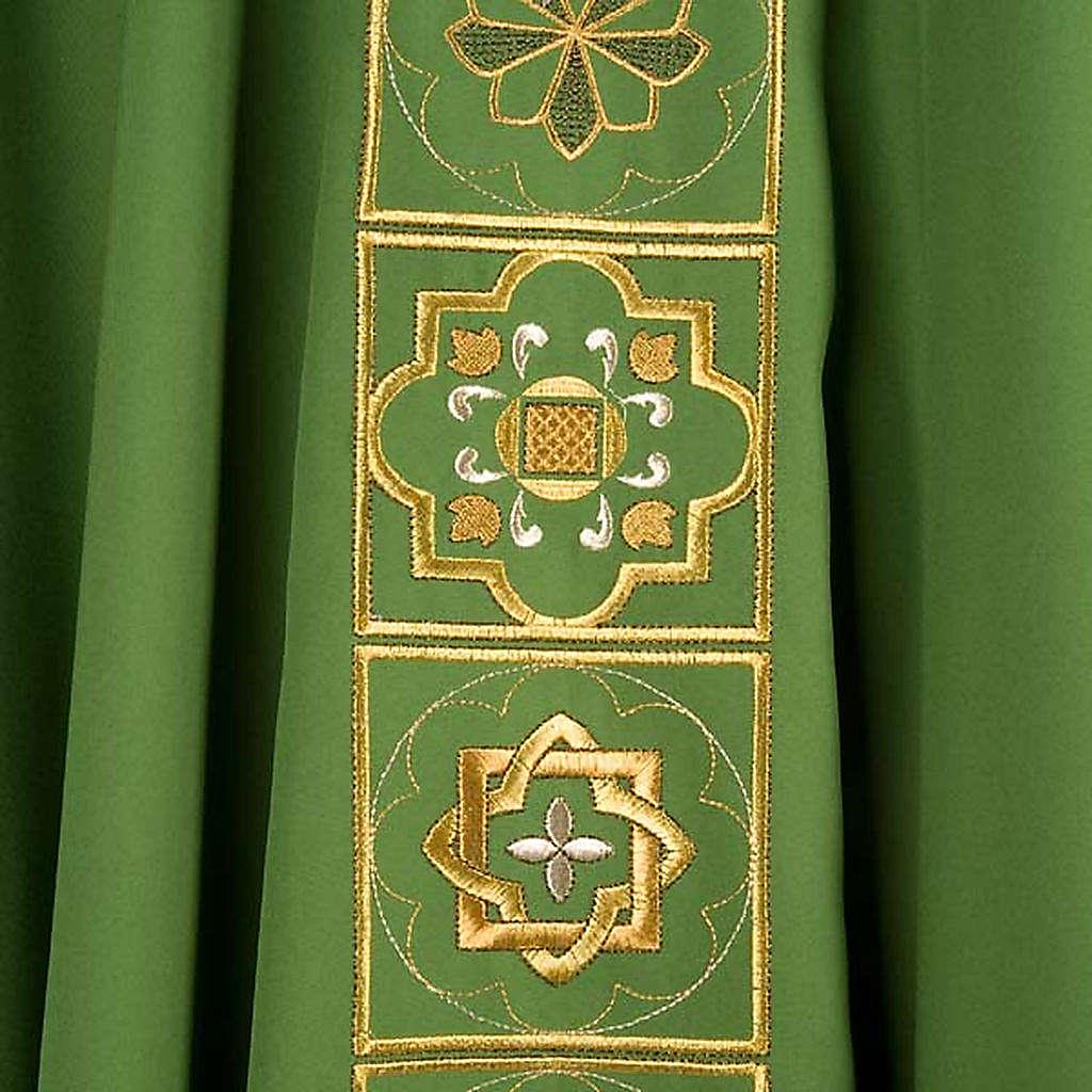 Casula liturgica con ricamo dorato 4
