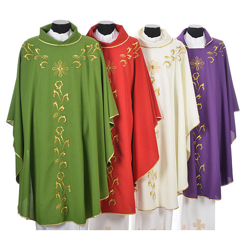 Casula liturgica con ricamo dorato e croce 1