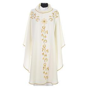 Casula litúrgica com bordado dourado e cruz s4