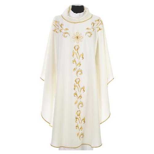 Casula litúrgica com bordado dourado e cruz 11