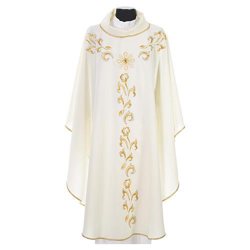 Casula litúrgica com bordado dourado e cruz 4