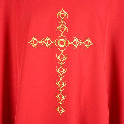 Casulla litúrgica con bordado cruz dorada 3