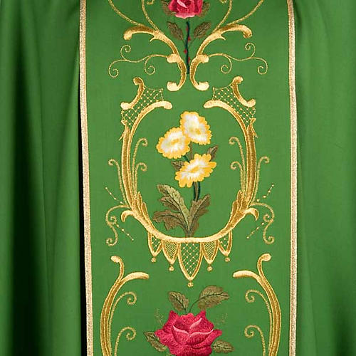 Casulla sacerdotal decoraciones dorada flores colorada lana 100% 3