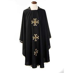 Casula sacerdotale nera 3 croci dorate fronte e retro s1
