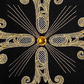 Casula sacerdotale nera 3 croci dorate fronte e retro s4