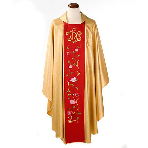 Chasuble dorée bande rouge IHS roses 1