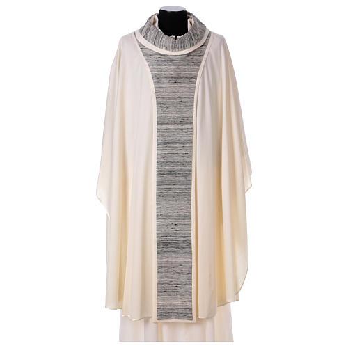 Chasuble 100% laine avec bande centrale et collet 100% soie 1