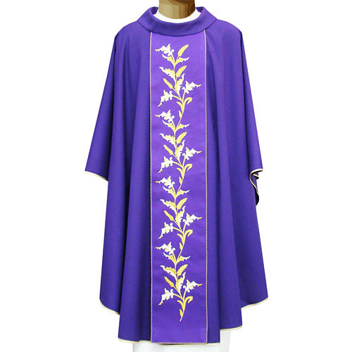 Gold chasuble embroidered, two ply 95% wool and 5% lurex fabric 1