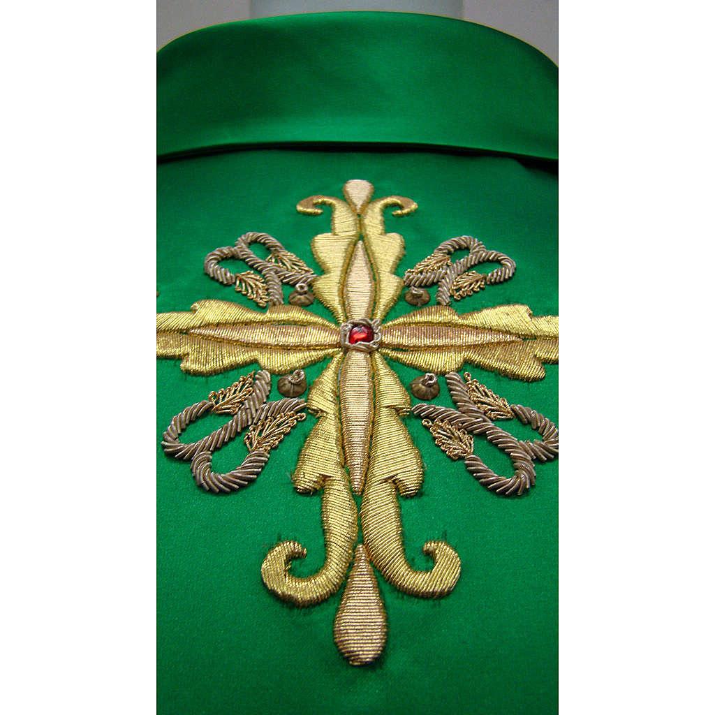 Chasuble brodée à la main décoration florale 4