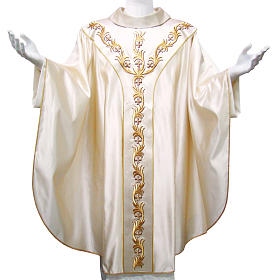 Chasuble in pure silk with hand-embroidered floral motif s1