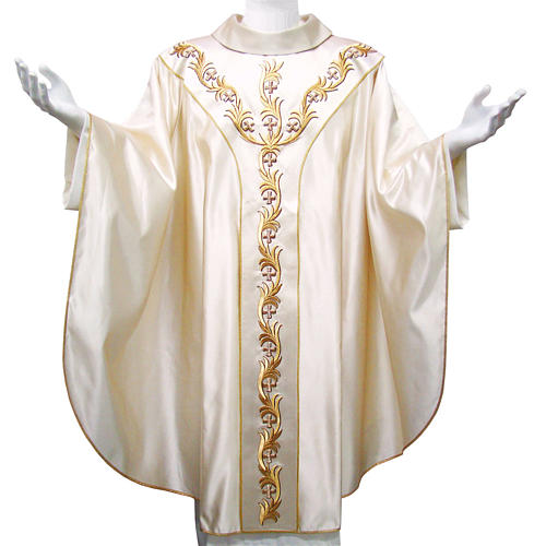 Chasuble in pure silk with hand-embroidered floral motif 1