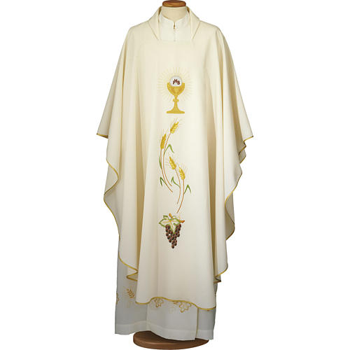 Ivory chasuble with Eucharist symbol in polyester 1