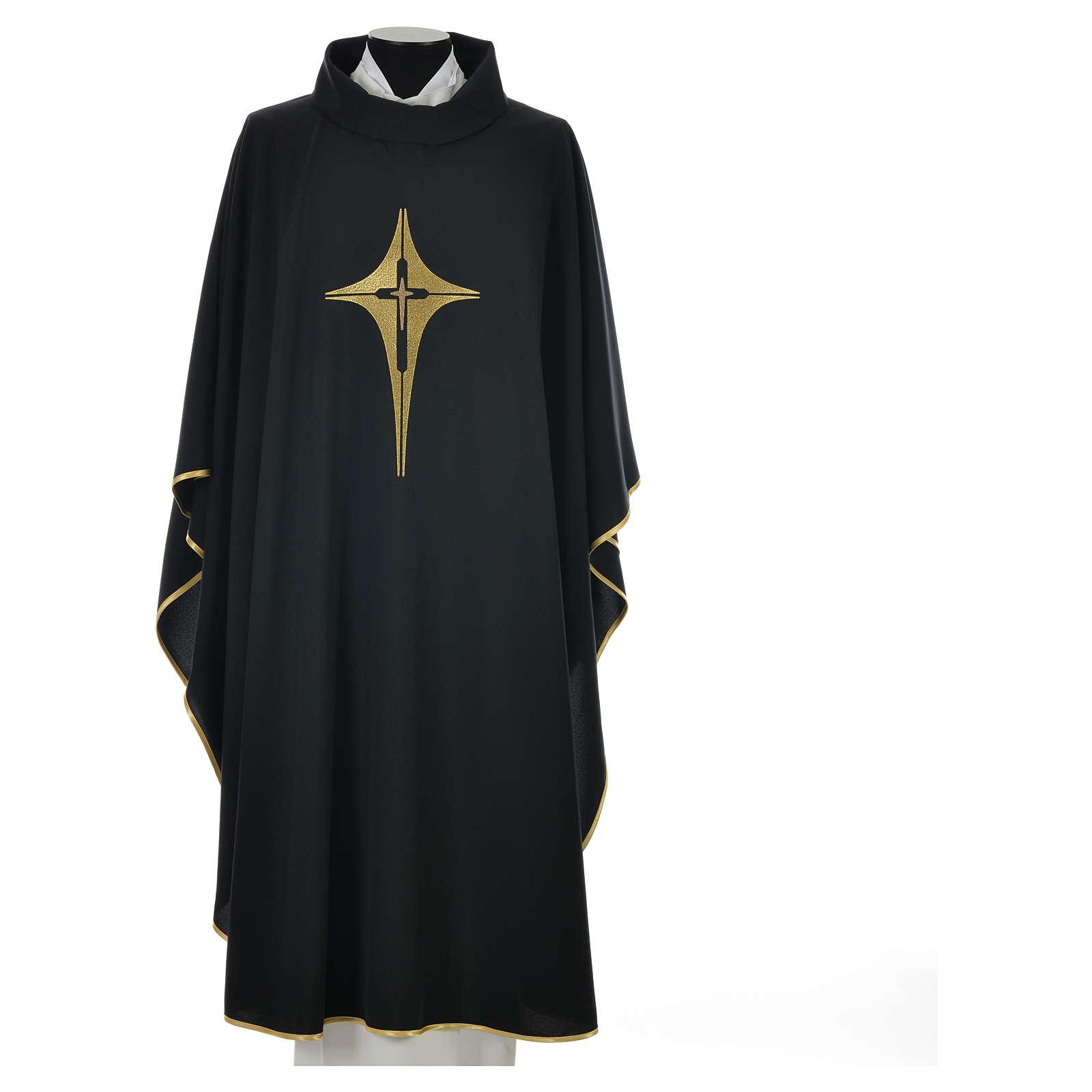 Casulla negra 100% poliéster con cruz estilizada 4