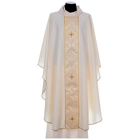 Chasuble 100% polyester bande centrale damas filigrané 3 croix brodées s5