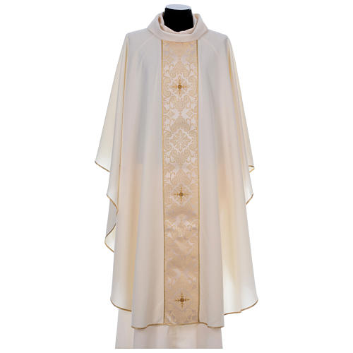 Chasuble 100% polyester bande centrale damas filigrané 3 croix brodées 5