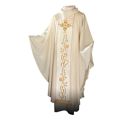 Catholic Chasuble in 100% wool and machine embroidered stole 1