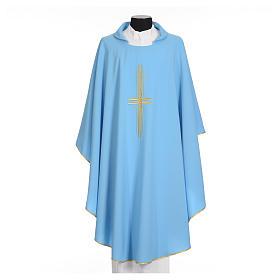 Chasuble bleu clair 100% polyester croix dorée s5