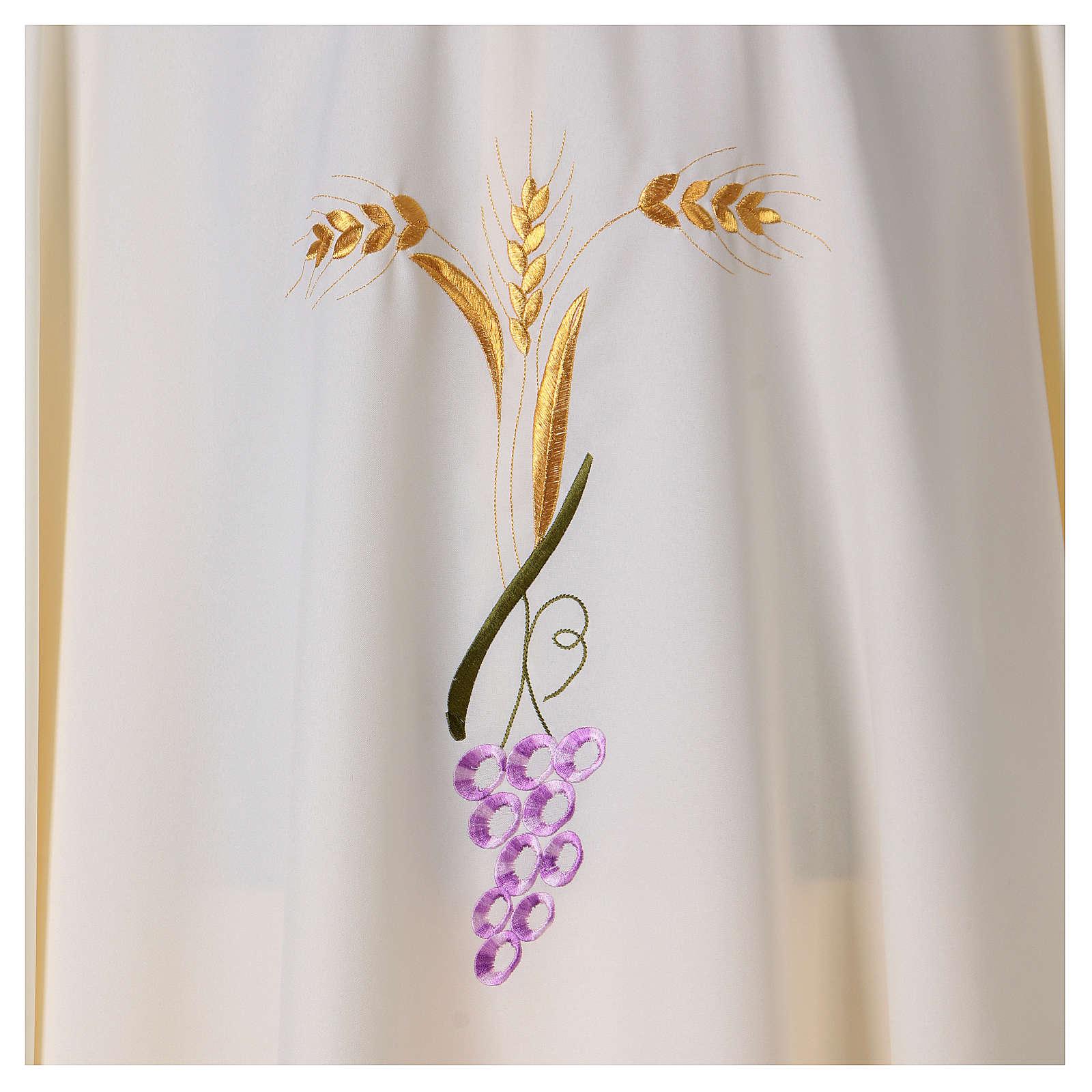 Casulla con tres espigas doradas y uva estilizada 4